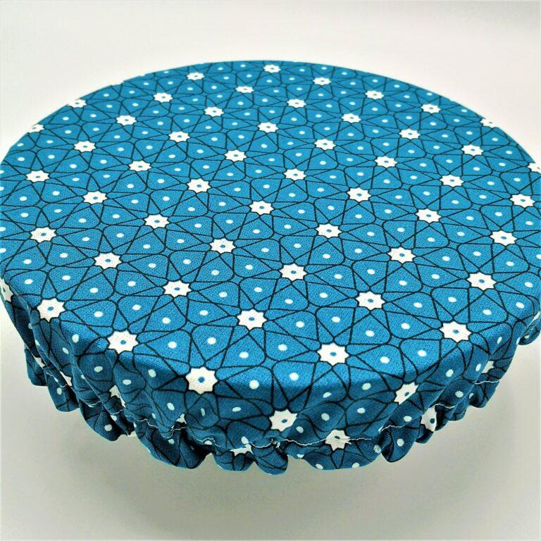 Charlotte M étoiles pois fond bleu